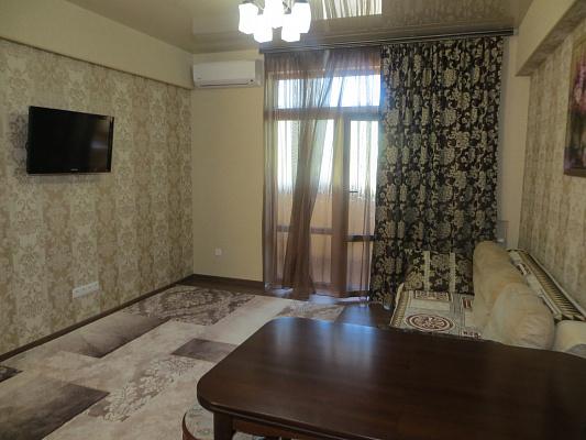 Трехкомнатная квартирапосуточно в Партените, ул. Парковая, 3